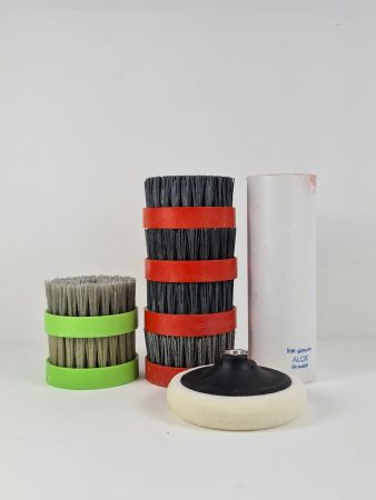 Suede Brushing Kit