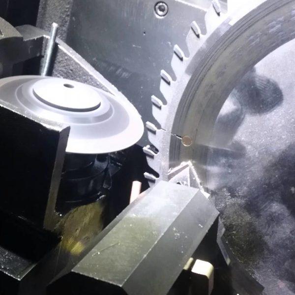 Sharpening diamond blade